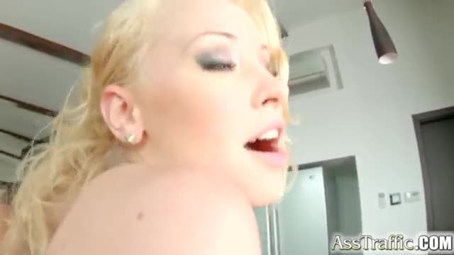 Lola taylor loves rough anal sex