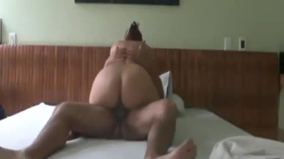 Real amateur wife with bubble ass riding cock