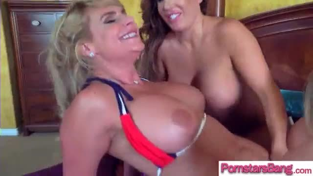 Anita berlusconi looks right into the ass of ann marie